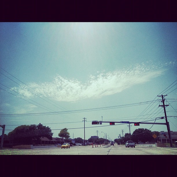 #2012 #june #photography #photooftheday #light #sun #sky #blue #cloudy #beautiful #cool #traffic #road (Taken with Instagram)