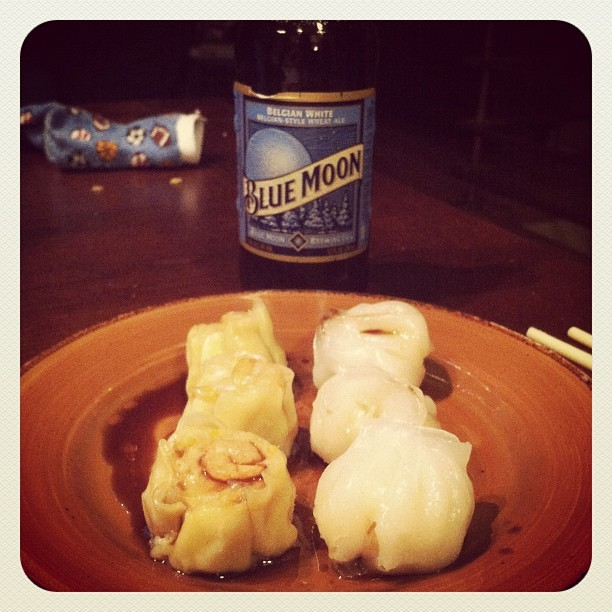 1AM snack: #BlueMoon#Beer and #DimSum  (Taken with Instagram)