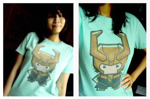 """Ehehehe."" Thanks so much, Gau. ♥ This Loki shirt is from last Toycon. When he bought this for me, there were only 2 left. One is white and this one in teal."