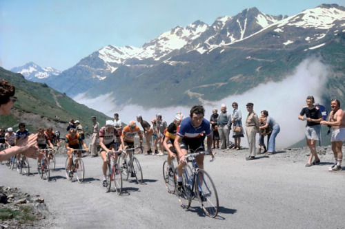 HINAULT OPENS A CAN OF WHOOPASS ON THE TOURMALET IN 1978, HIS FIRST TOUR. ZOOTEMELK AND THE REST DON'T KNOW WHAT'S HIT 'EM. GET USED TO IT BOYS!