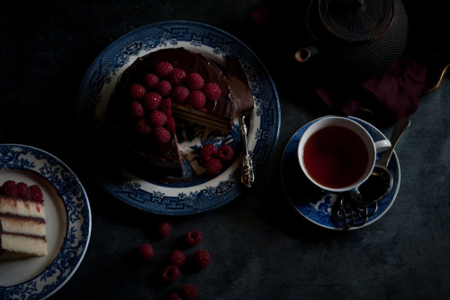 rusticmeetsvintage:  tea cake by stephsus, via Flickr