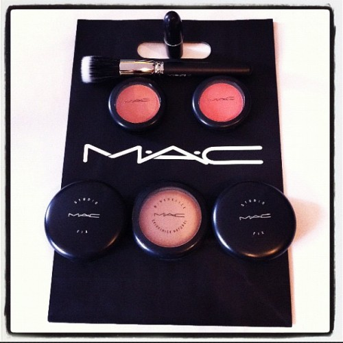 Replenished my MAC essentials! #Mac #makeup #cosmetics #Paris #blush #lipstick  (Taken with Instagram at La Fayette Galleries, Paris)