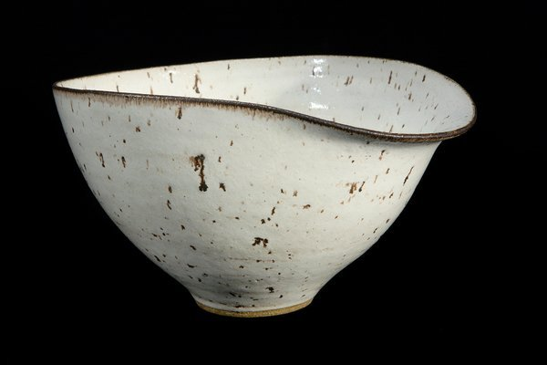 Dame Lucie Rie (British, Austrian Born, 1902-1995) : Large Bowl with pouring lip, circa 1954
