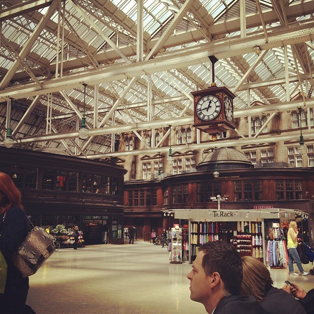 Glasgow Central Railway Station photo by Mike Doughty