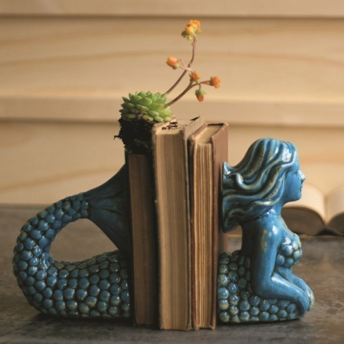 agirlandherpearls:  have to find these crushculdesac:  ❖ Ceramic Mermaid Bookends ❖ The Find ❖ via Feather & Nest Style ❖