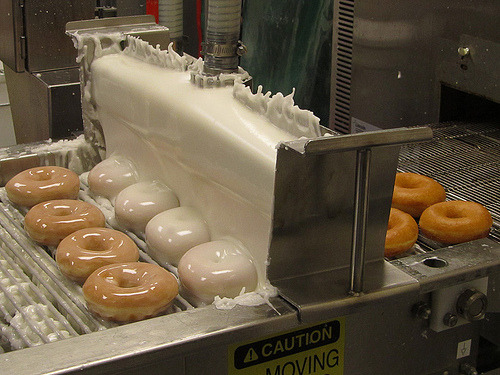 wearefirstserve:  like this pic if you're hungry  De La is opening a doughnut shop. (via imgTumble)