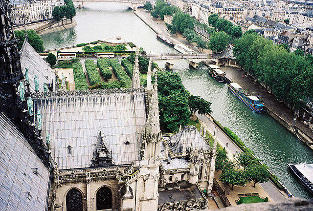 bbbballin:  7 Paris (11) Notre Dame by pjink11 on Flickr.
