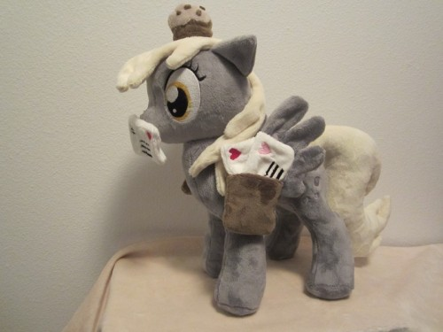 my little pony Derpy hooves plush por Little-Broy-Peer-Inc