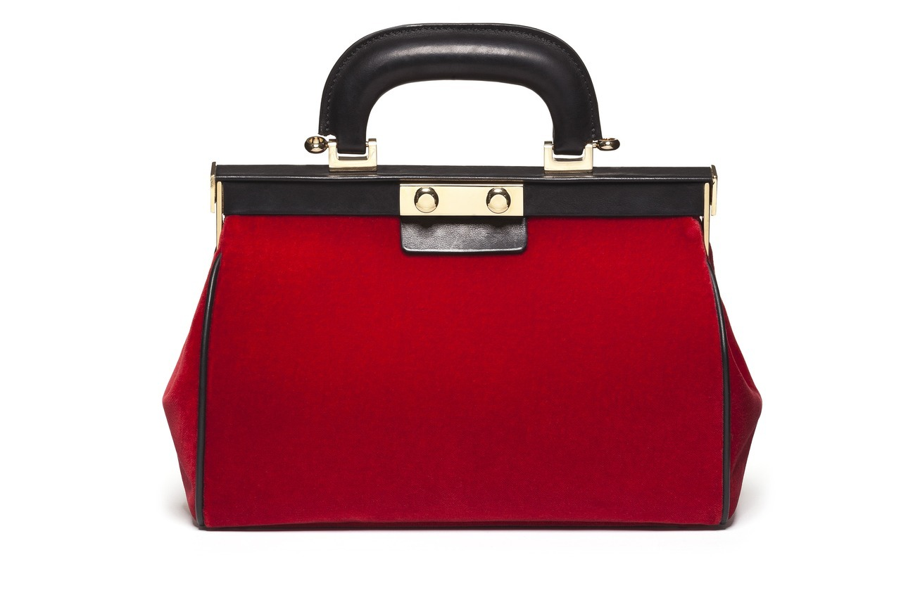 glamour:  Thanks to Marni, the doctor bag never looked so chic.