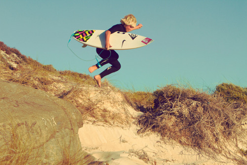 when-groms-attack:  Jack robinson i love this picture!!