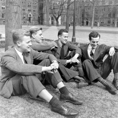 menoftheivyleague:  Yale Swim Team 1941