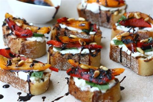 gastrogirl:  roasted red pepper burrata crostini.