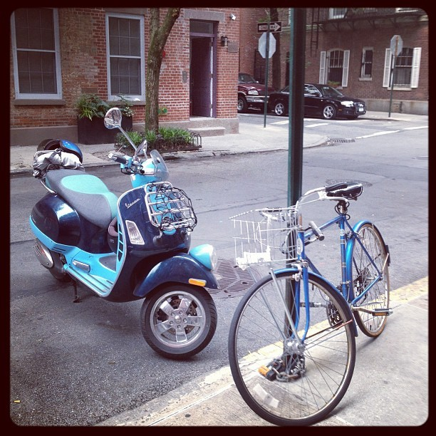 #vespa #schwinn #scooter #bycycle #greenwich #village #nyc  (Taken with Instagram)