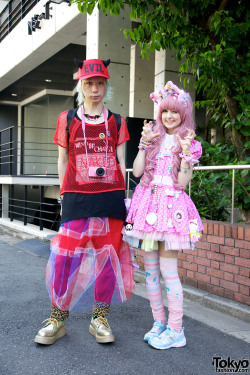 tokyo-fashion:  Just posted 40+ Harajuku Fashion Walk street snaps. From kawaii to decora to sweet lolita to gothic lolita to full on gothic. Please check them out. :-)