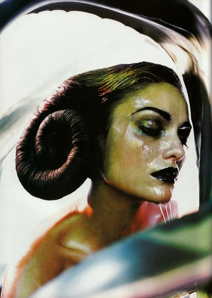 Laura Ponte Photographed by Javier Vallhonrat for Vogue Italia December 1997