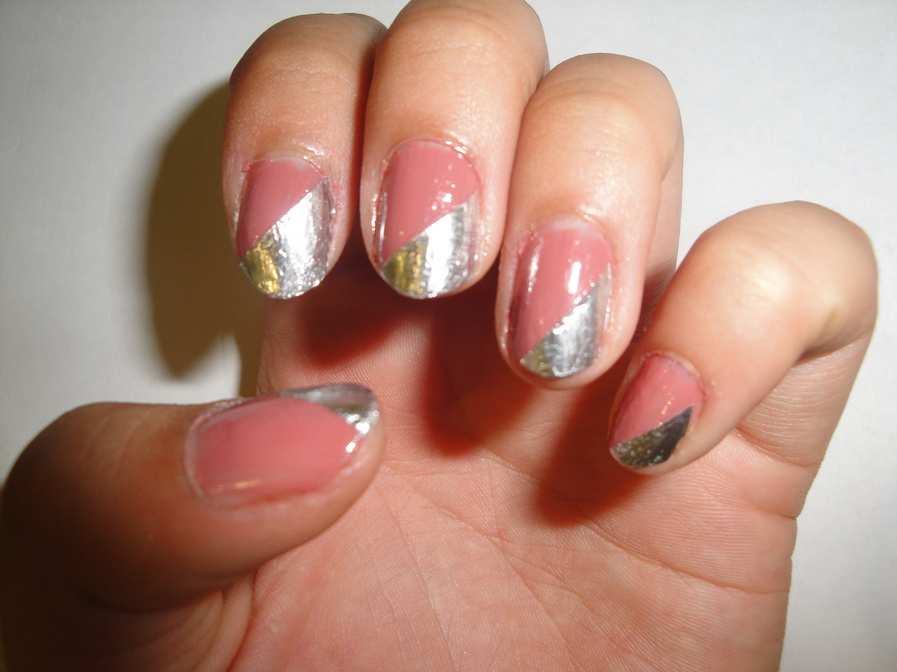 Metallic Detail Nails cath-inthehat.tumblr.com