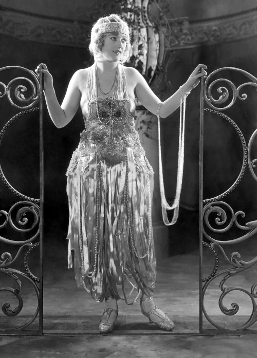 fortheloothoney:  Marion Davies