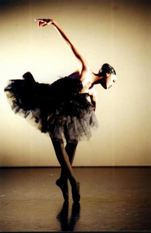 theballetblog:  Kitty Phetla as The Dying Swan  This makes me happy :)