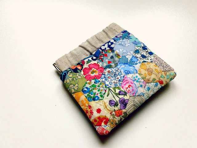 Patchwork Flex Frame Pouch Tutorial.