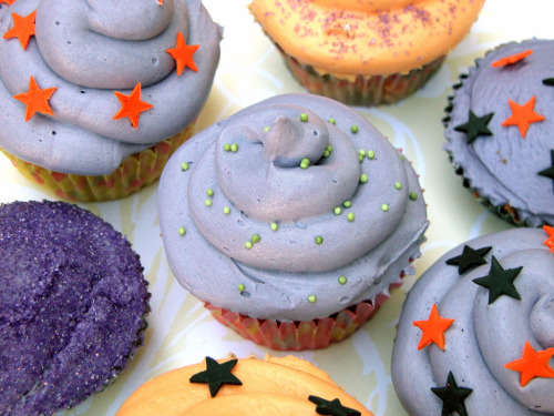 delectabledelight:  Halloween cupcakes (by Bento Business)