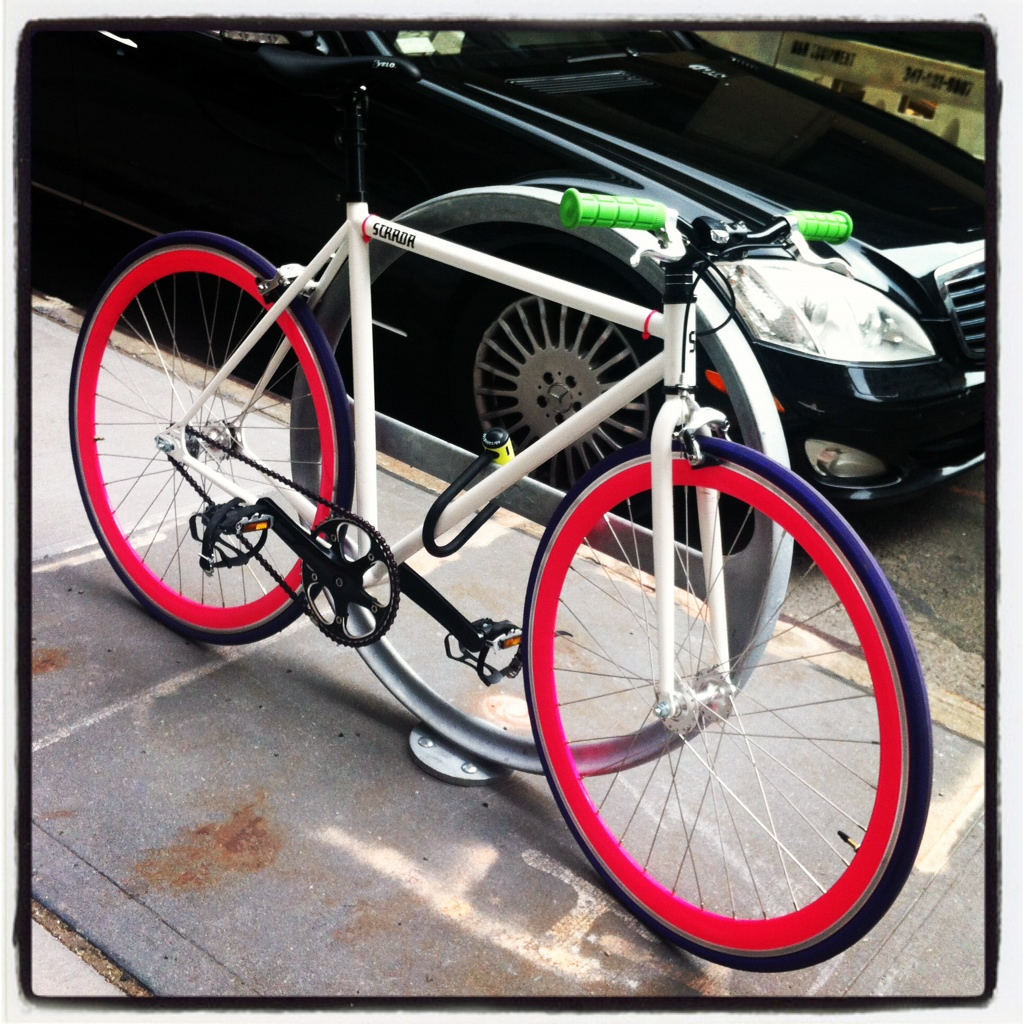 bikecrushdc:  Is this one of those DIY Stradas from their website? SoHo Thanks, PW