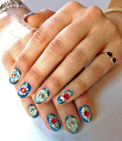 beautylish:  Awesome Arabian Nights inspired nails by  Jessica W.!