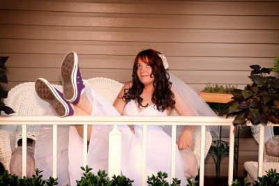 thepaisleyelf:  Check out my sweet wedding Converse! (copyright: Gene Browder)
