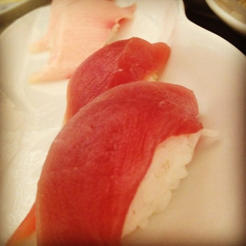 Yellowtail & tuna #yellowtail #tuna #sashimi #sushi #japanese #food #nom #yummy (Taken with Instagram)