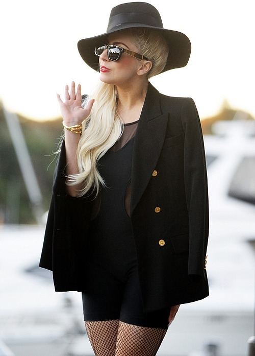 ladygagafashionstyle:  Gaga out in Sydney. (June 18)