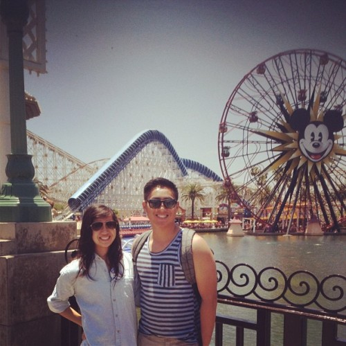 taylorrle:  kickin' it 😍🎉 #disneyland #birthday #legal #allanbach (Taken with Instagram at Paradise Pier)  cuties