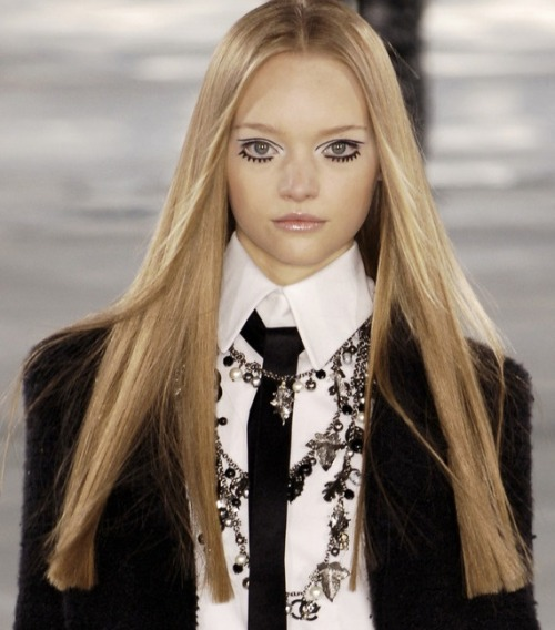 monsieur-j:  Gemma Ward - Chanel - Fall 2005