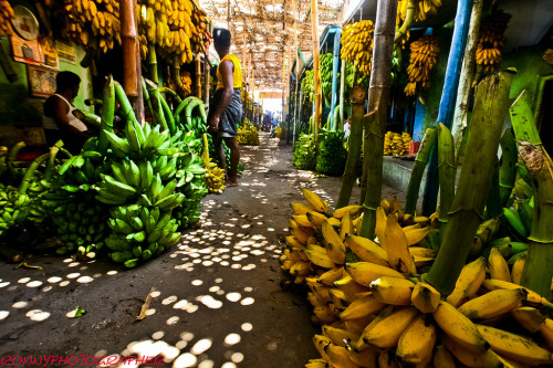 banana market in the city of madurai-tamil nadu-south india- மதுரை (por ronnyreportage)