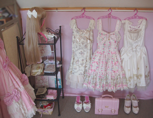 pinkish-white:  my favorite corner of the room ♥