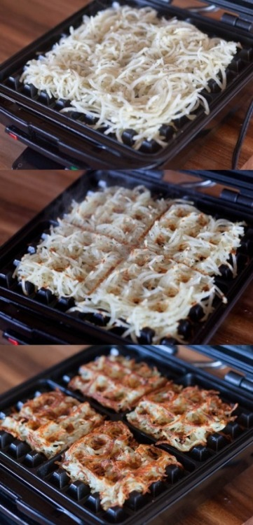 likeneelyohara:  Waffle iron hash browns  THIS IS A GREAT IDEA.