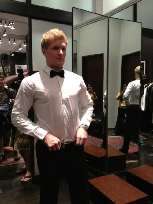 Gabriel Landeskog trying on suits for tomorrow