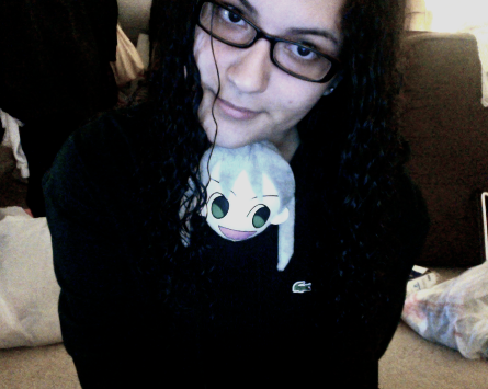 Heee.. Maka enjoys being in my shirt. >w>