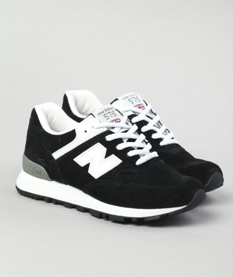 shoe-pornn:  New Balance 576-Black/White.