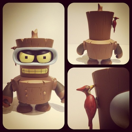 New arrival!! #bender #kidrobot #toys #toysrevolution #instagram #pictoftheday #popular  (Tomada con Instagram)