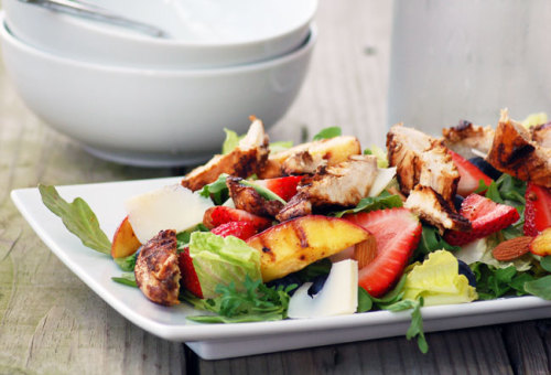 summer salad with balsamic chicken.