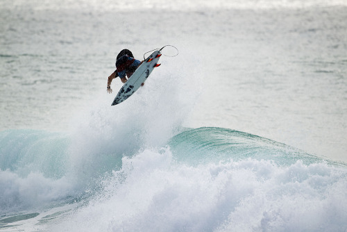 fysurf:  Aron Geiger, Indy Grab. Puerto Rico. Photo: Jimmicane