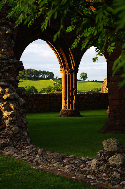 bluepueblo:  Arches, New Abbey, Scotland photo via isla