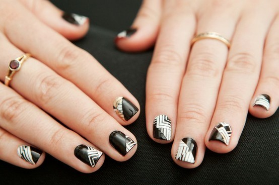 what-do-i-wear:  D.I.Y. Nail Inspiration (image: pinterest)