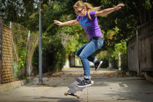 Amanda Powell with a picture perfecto no-comply. [Photo: Bandy]