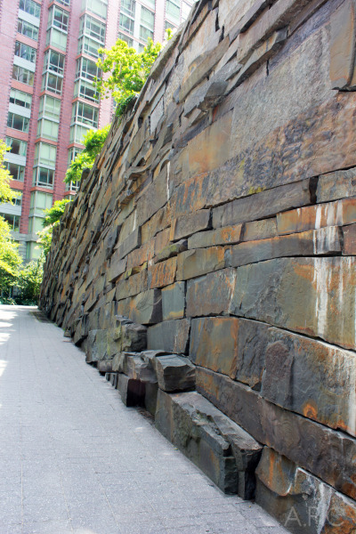 Rockwall at Teardrop Park / Tribeca