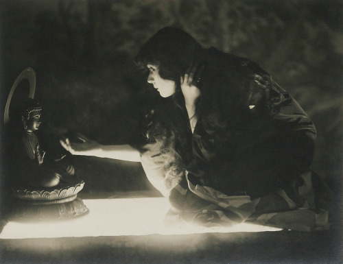 "indigodreams:  vintagecool: Theda Bara in ""The Sould of Buddha"" (1918)"