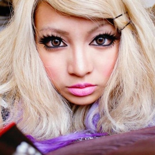 New fb profile pic #gyaru #gaijingyaru #pinksugarichigo #circlelenses #gyarumakeup #lashes #motd #filipinogyaru #gal #westerngyaru #makeup  (Taken with Instagram)