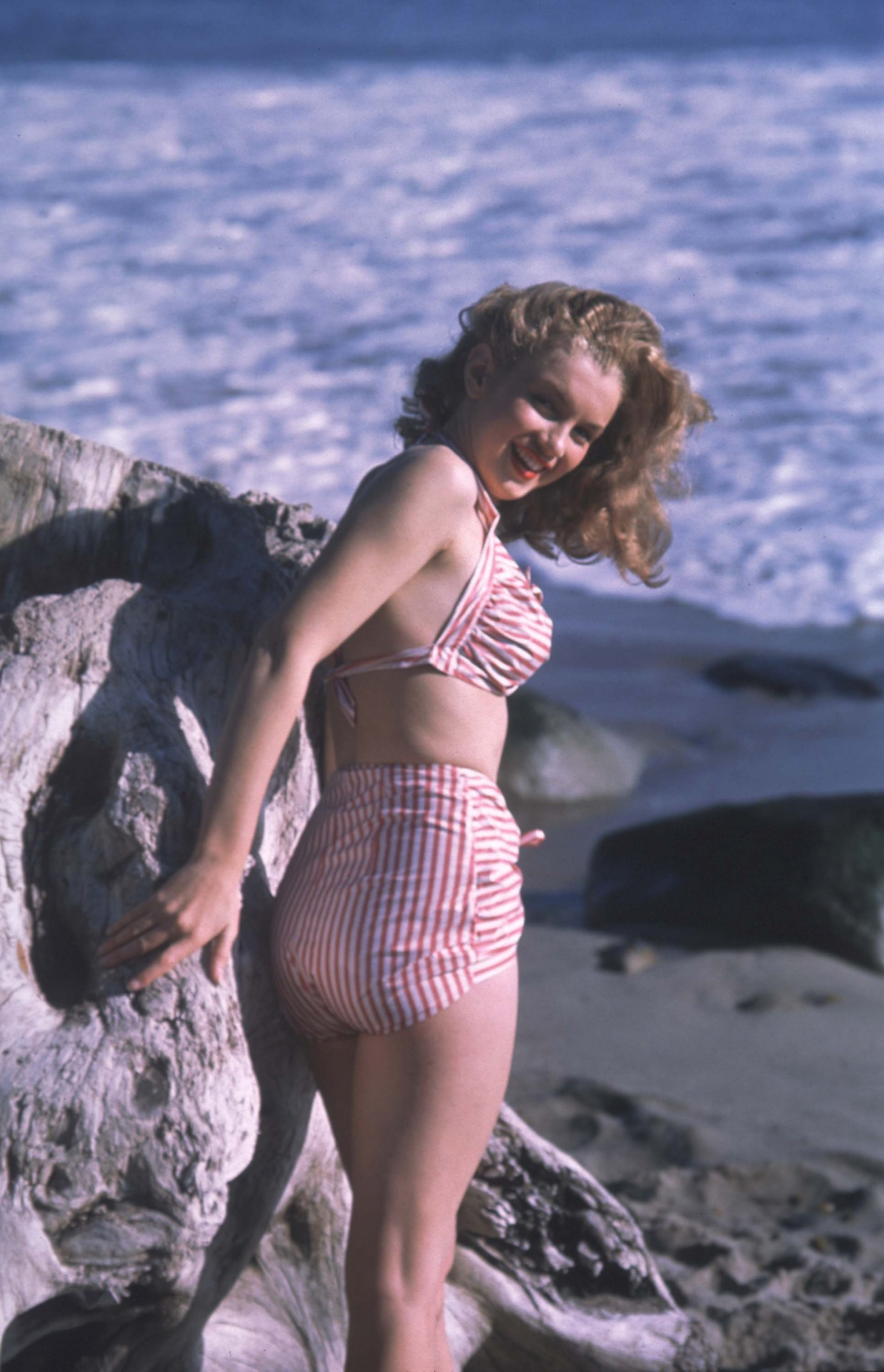 suicideblonde:  Marilyn Monroe   (via imgTumble)