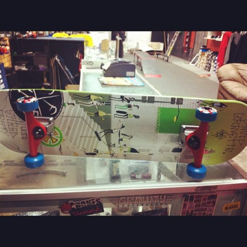 Day 19 brand new, skate board! @creature #creature #lurkhard #photoadaychallenge #photoadayjune #dfmo @lurkhard #new #skate #skateboard @bones #independent   (Taken with Instagram)