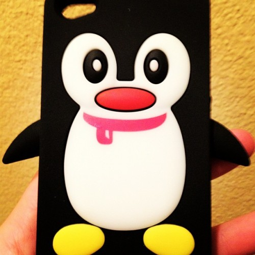 I joined the ridiculously cute penguin phone cover bandwagon #iphone #cover #penguin #cute  (Taken with Instagram)