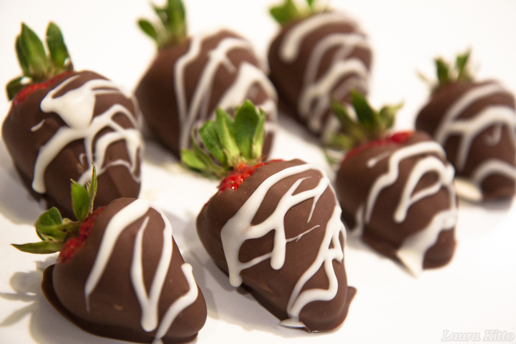 Chocolate-Covered Strawberries (от laurakitto)